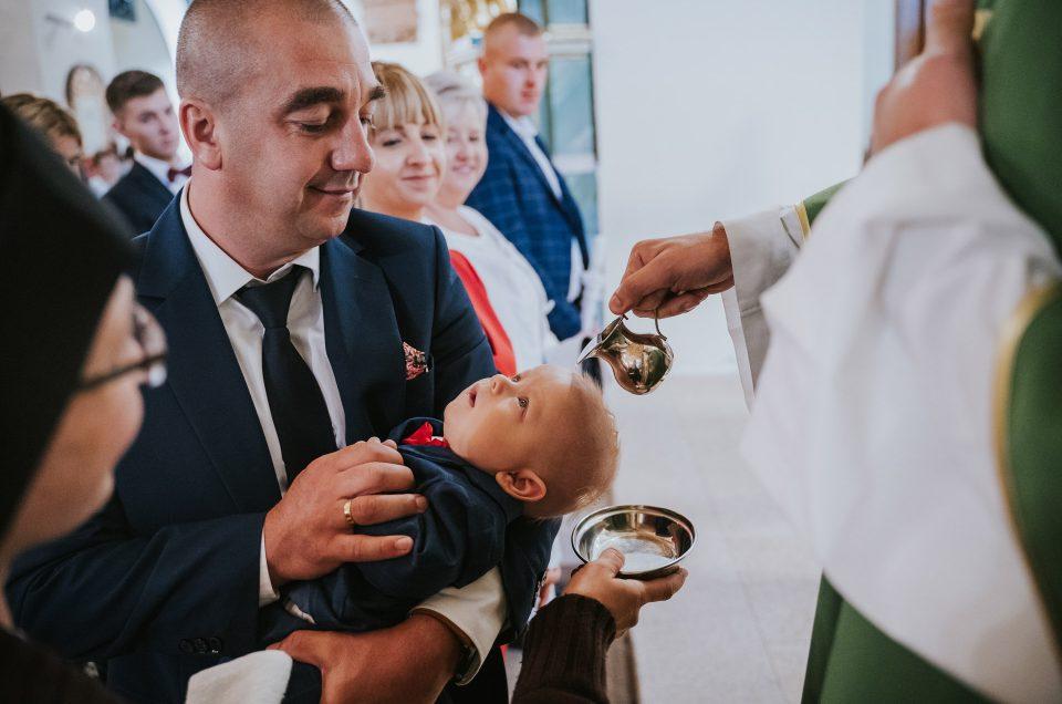 Chrzest Maksymiliana | Fotograf na chrzest Zwoleń